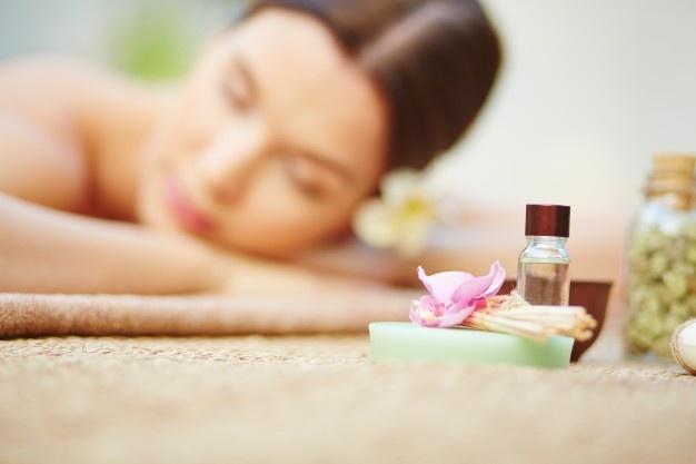 Entenda como a aromaterapia pode tratar problemas bucais