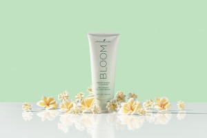 BLOOM by Young Living Brightening Cleanser