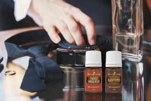 Mire cu uleiuri esențiale de lemn de santal sacru și piper negru