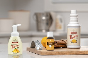 Huile essentielle Lemon, Thieves Household Cleaner et Thieves Foaming Hand Soap