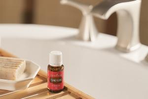 Aceite esencial de ylang ylang
