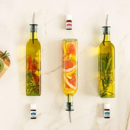 注入Vitality精油調味料的橄欖油和醋,做出令人垂涎的菜餚!