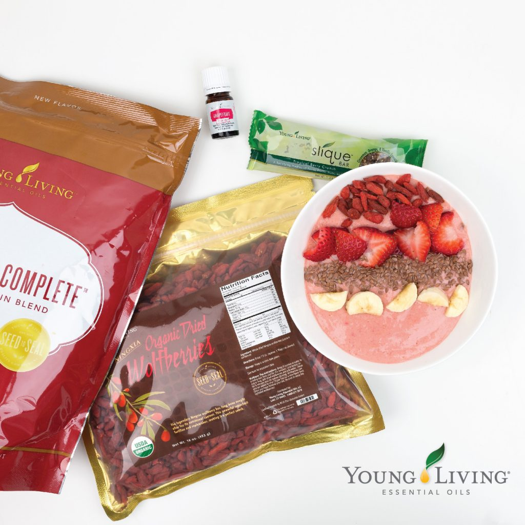 Young Living - Smoothie Bowl with Vanilla Spice Pure Protein Complete and Grapefruit Vitality Essential Oil