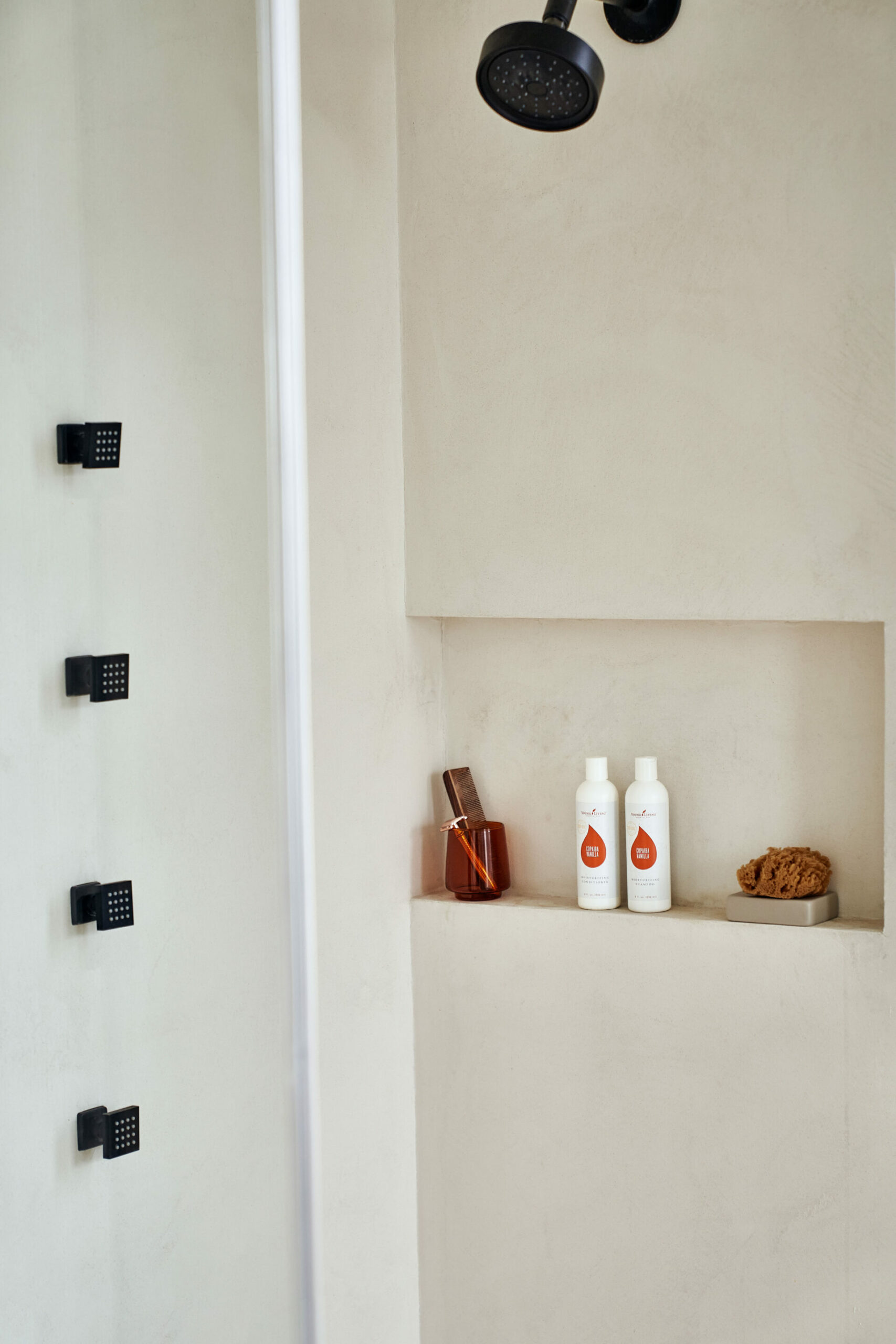 Shower with Copaiba Vanilla Moisturizing Shampoo & Conditioner - Young Living Essential Oils